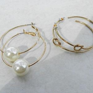 Jewelry - 🌴   2 Pretty Pairs Gold Hoop Earrings